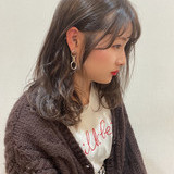ガーリー ミルクティーベージュ ミディアム ベージュ ヘアスタイルや髪型の写真・画像