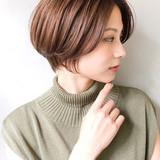 ミルクティーグレージュ くびれカール ショートカット アッシュベージュヘアスタイルや髪型の写真・画像