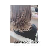 フェミニン ミディアム グラデーションカラー インナーカラー ヘアスタイルや髪型の写真・画像