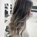 エレガント セミロング ホワイトグレージュ ヘアカラー ヘアスタイルや髪型の写真・画像