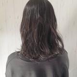 グレージュ ミディアム アッシュグレージュ 暗髪 ヘアスタイルや髪型の写真・画像