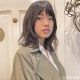 透明感カラー 外ハネ グレージュ ナチュラル ヘアスタイルや髪型の写真・画像