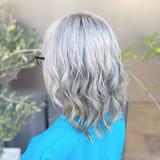 ミディアム ストリート 外国人風 ブリーチヘアスタイルや髪型の写真・画像