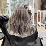 秋冬スタイル ストリート バレイヤージュ ハイトーン ヘアスタイルや髪型の写真・画像