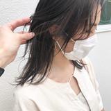 地毛ハイライト セミロング 極細ハイライト 大人ハイライト ヘアスタイルや髪型の写真・画像