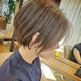 ショートヘア ショート ハンサムショート グレージュヘアスタイルや髪型の写真・画像