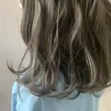 ミディアム アンニュイほつれヘア オリーブグレージュ グレージュ ヘアスタイルや髪型の写真・画像