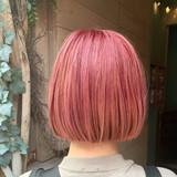 ショートヘア ナチュラル 秋冬スタイル ピンクヘア ヘアスタイルや髪型の写真・画像