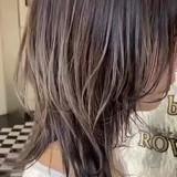 ミルクティーグレージュ 透明感カラー ナチュラル ミディアム ヘアスタイルや髪型の写真・画像[エリア]