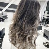 セミロング ホワイトグレージュ エレガント エアータッチ ヘアスタイルや髪型の写真・画像