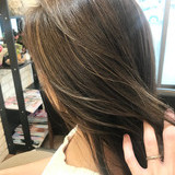 ミディアム グラデーションカラー 3Dハイライト インナーカラー ヘアスタイルや髪型の写真・画像[エリア]