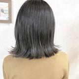 ナチュラルグラデーション オルティーブアディクシー シルバーアッシュ ナチュラル ヘアスタイルや髪型の写真・画像