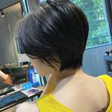 暗髪 ショート ショートヘア ナチュラル ヘアスタイルや髪型の写真・画像[エリア]