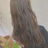 ミルクティーグレージュ ナチュラル ロング イルミナカラー ヘアスタイルや髪型の写真・画像 | ena.. / résistance Elmo