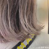 シルバーグレージュ グラデーションカラー ハイトーンカラー グレージュ ヘアスタイルや髪型の写真・画像