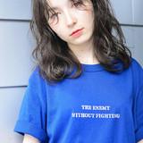 ダークグレー フェザーバング ミディアム ヘアアレンジヘアスタイルや髪型の写真・画像