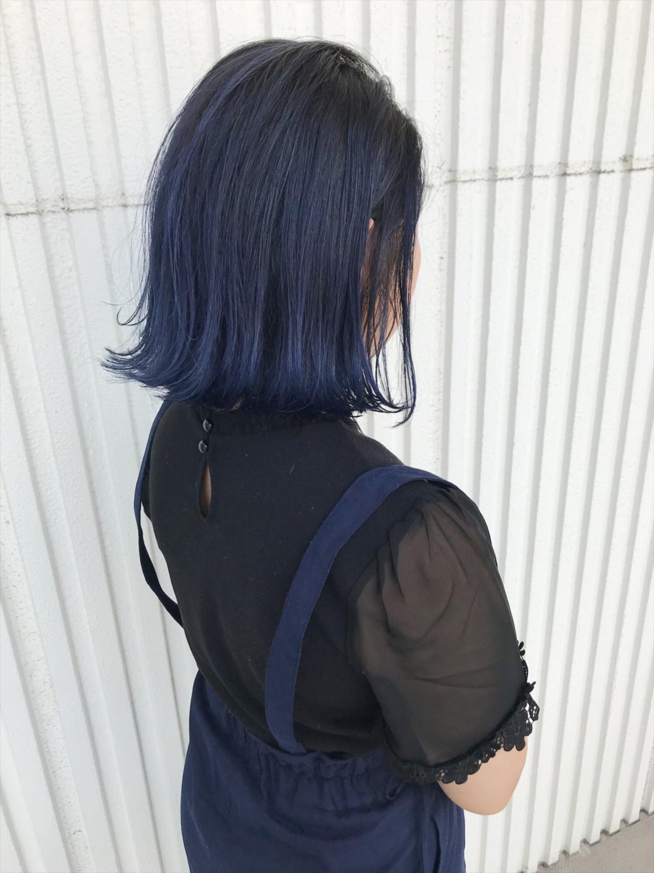 暗髪 ダブルカラー ブルー 切りっぱなし ヘアスタイルや髪型の写真・画像 | kuranico / LORE hair salon