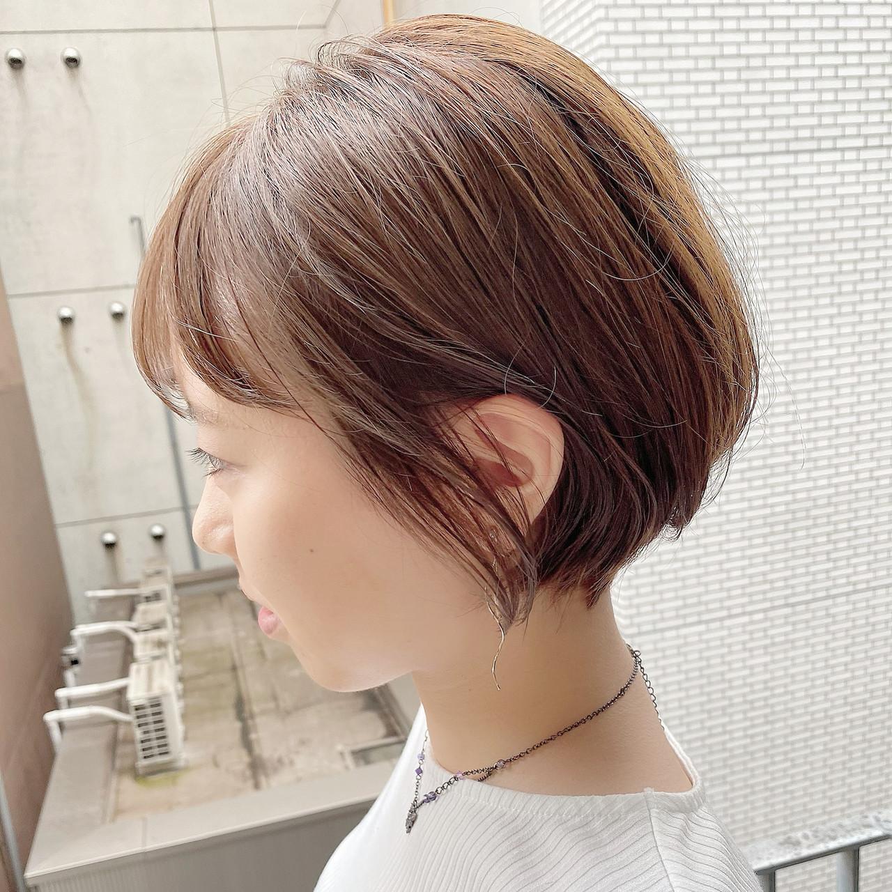 ショートヘア ショート オフィス ナチュラル ヘアスタイルや髪型の写真・画像 | 大人可愛い【ショート・ボブが得意】つばさ / VIE