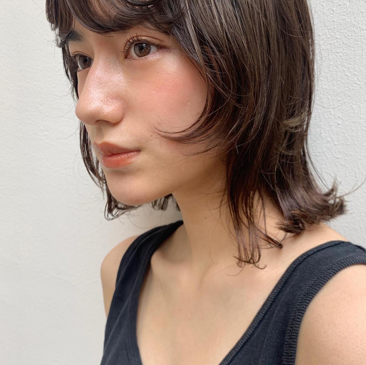 ウルフレイヤー ナチュラル ネオウルフ ミルクティーベージュ ヘアスタイルや髪型の写真・画像