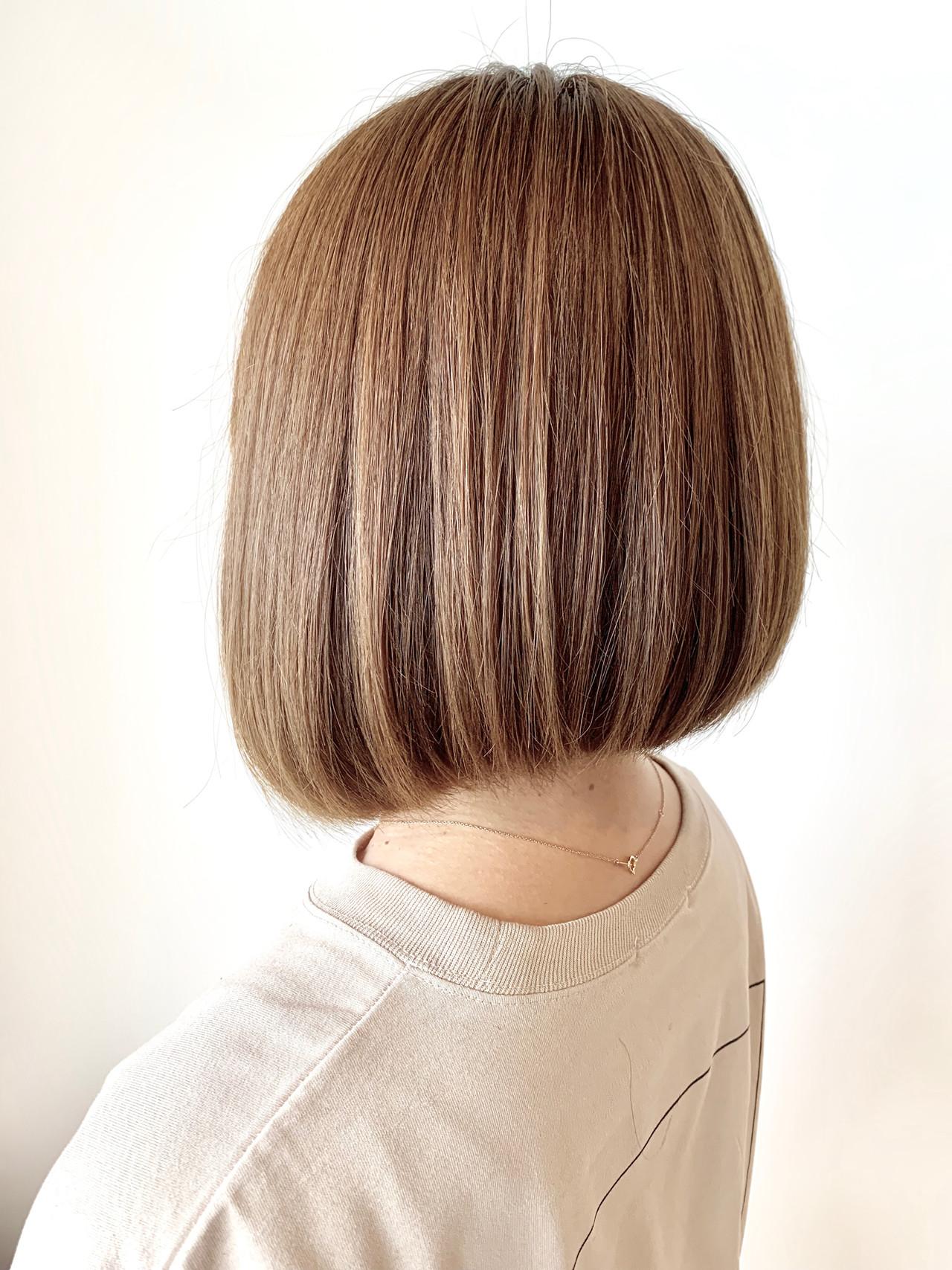 アッシュ 簡単スタイリング ボブ 大人可愛い ヘアスタイルや髪型の写真・画像   村上 駿 / FRAMES hair design