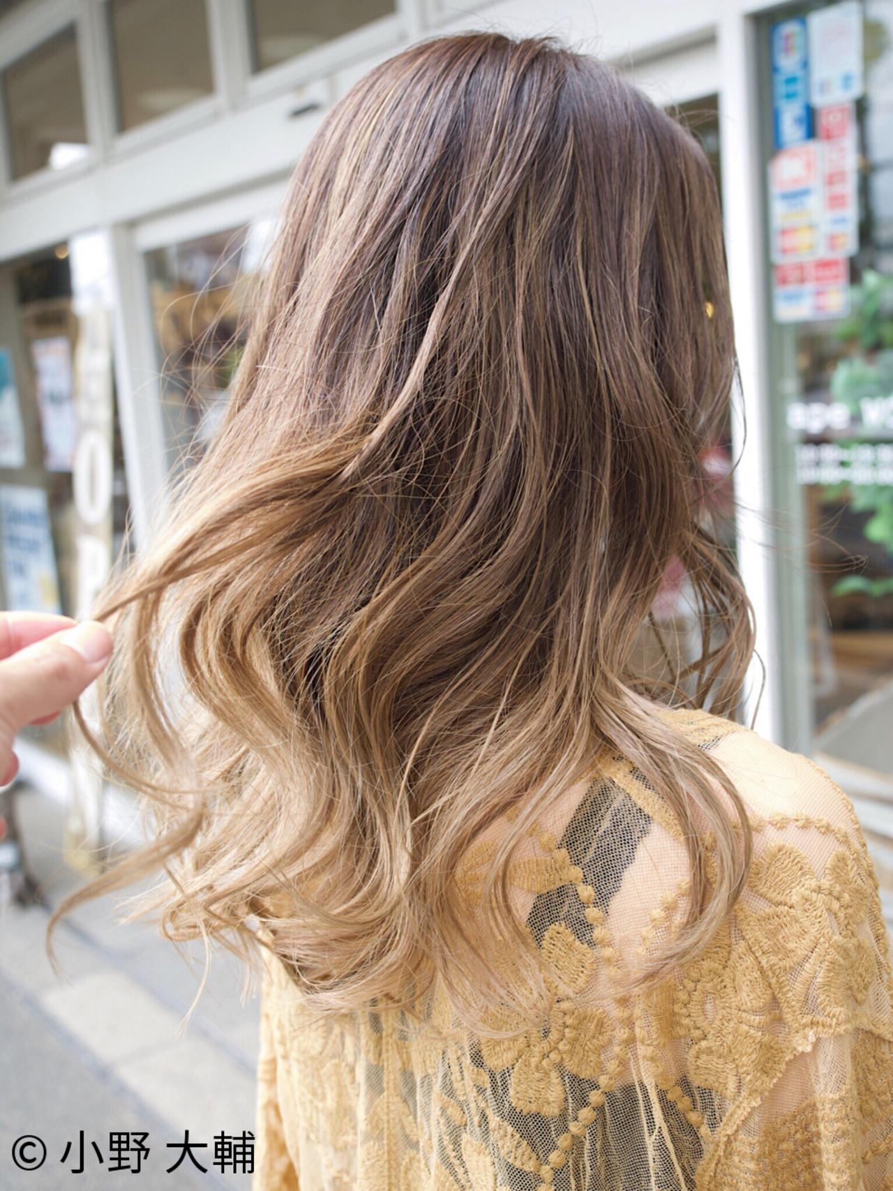 外国人風カラー ナチュラル アッシュ ハイライト ヘアスタイルや髪型の写真・画像 | 小野 大輔 / OHIA  for plumeria