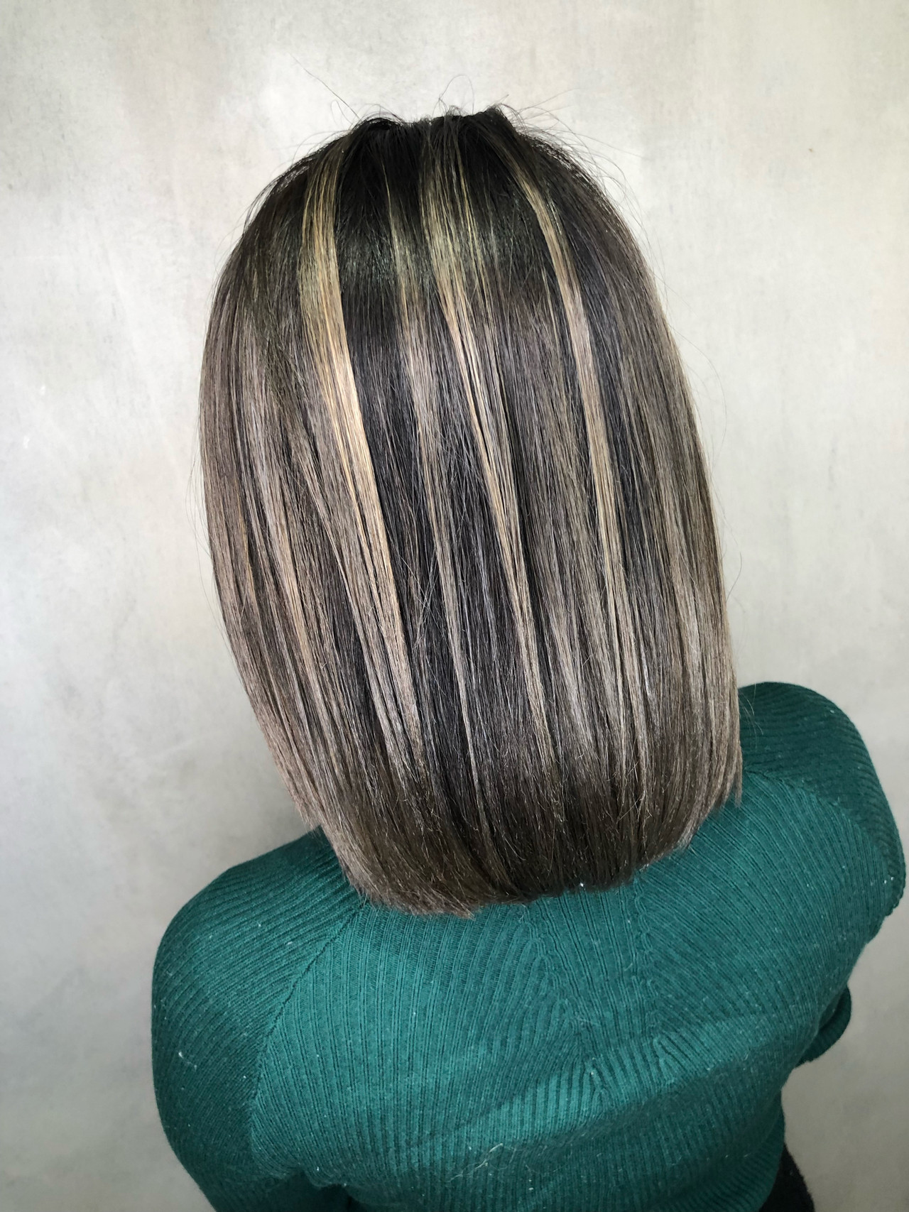 グレージュ ボブ ナチュラル グラデーションカラー ヘアスタイルや髪型の写真・画像   筒井 隆由 / Hair salon mode