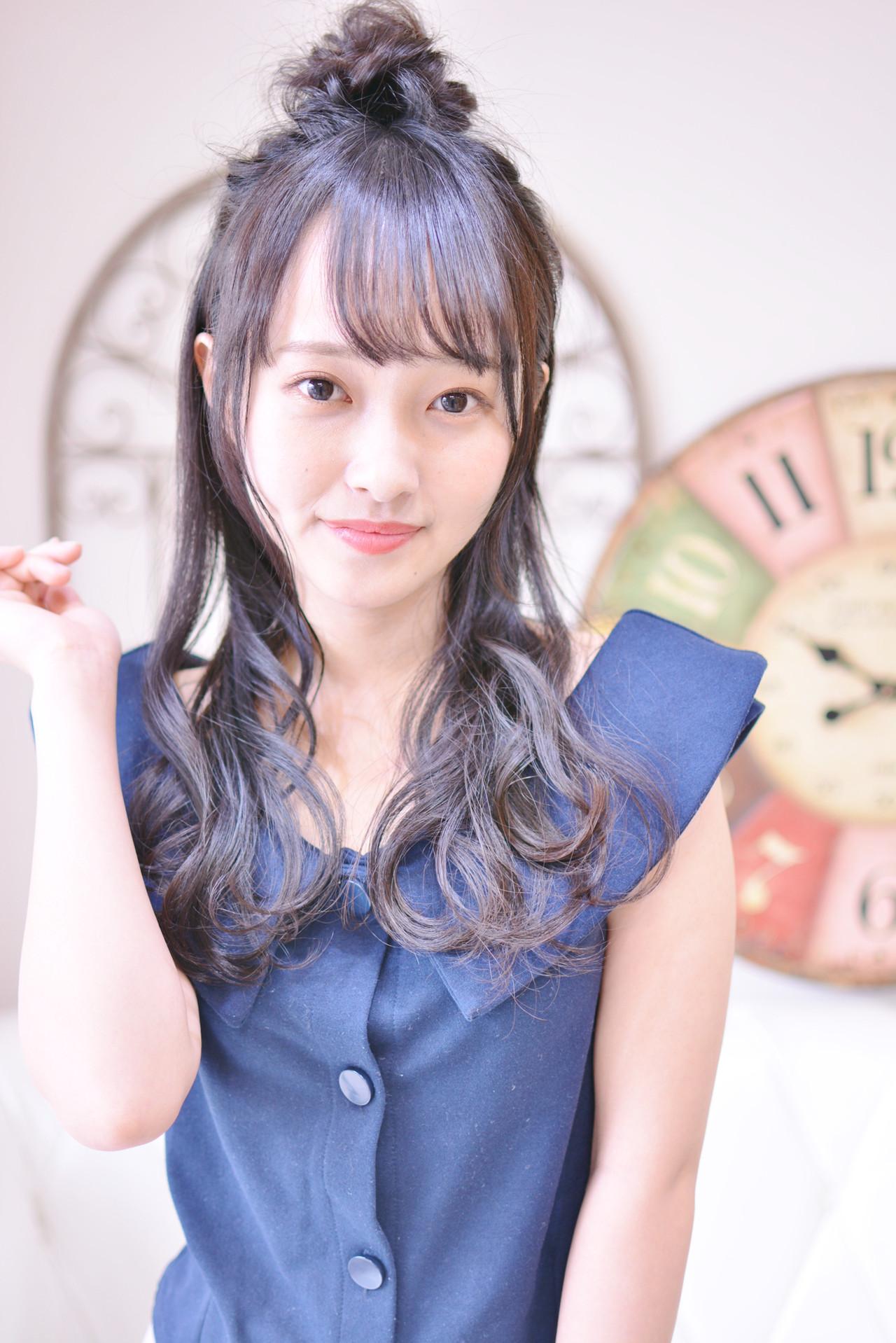 ヘアアレンジ デート シースルーバング ロング ヘアスタイルや髪型の写真・画像 | Shiko Kajihara / メイズ