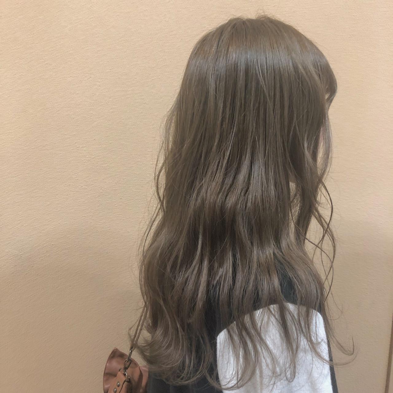 ベージュ アッシュベージュ デート ナチュラル ヘアスタイルや髪型の写真・画像 | 松岡暁 / HAIR COPAIN