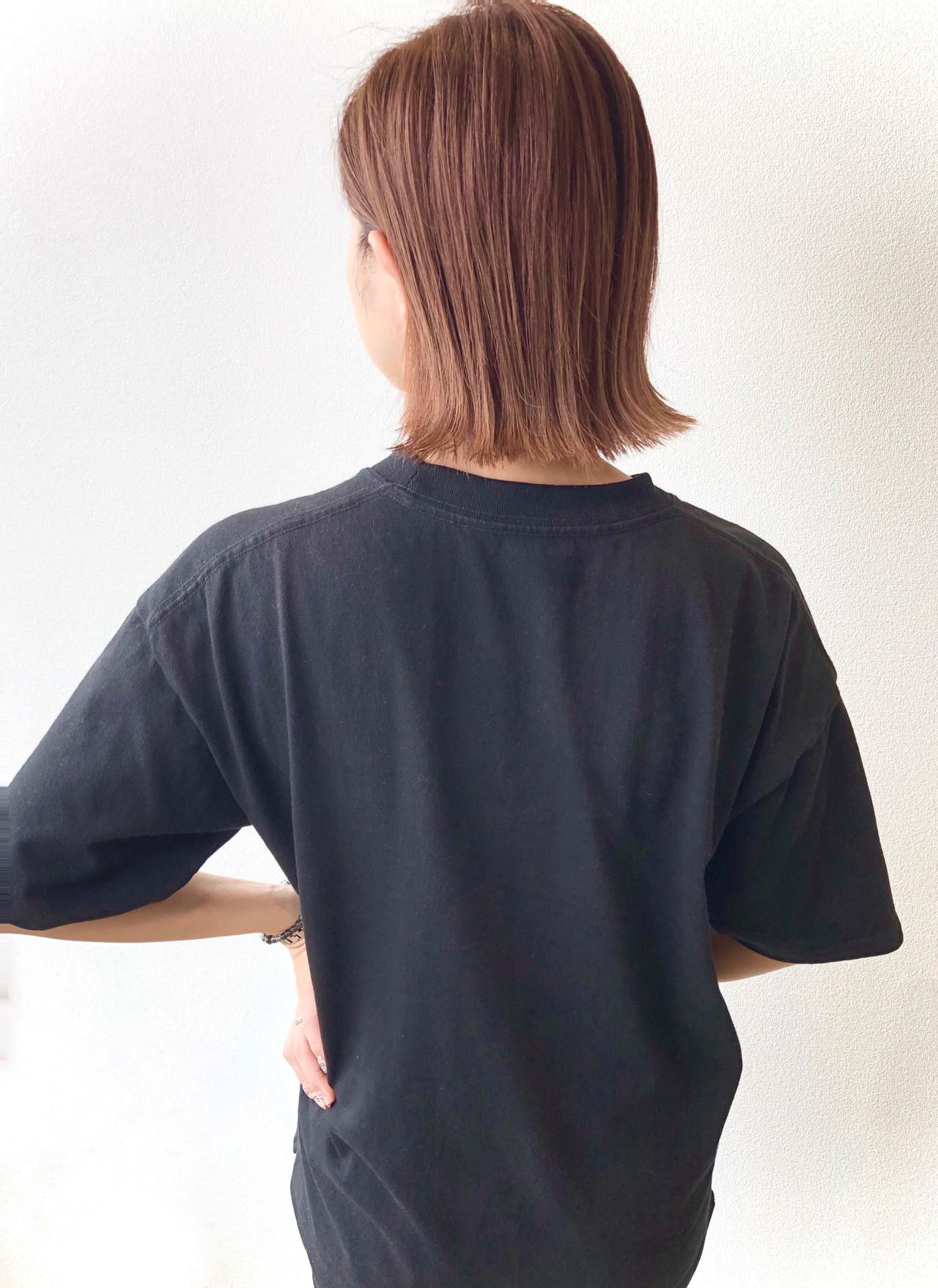 シアーベージュ 外ハネボブ ベージュ 切りっぱなしボブ ヘアスタイルや髪型の写真・画像 | 田中 祐樹 / Tribute Hair&Nail