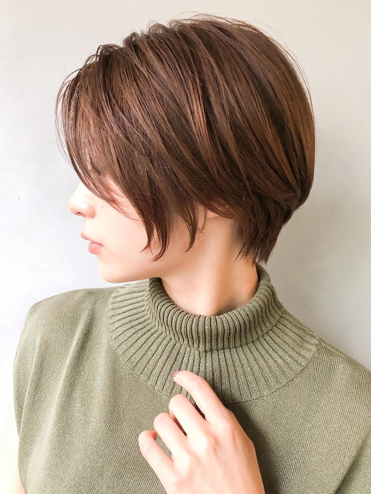 カーキアッシュ ベージュ 抜け感 モテ髪ヘアスタイルや髪型の写真・画像