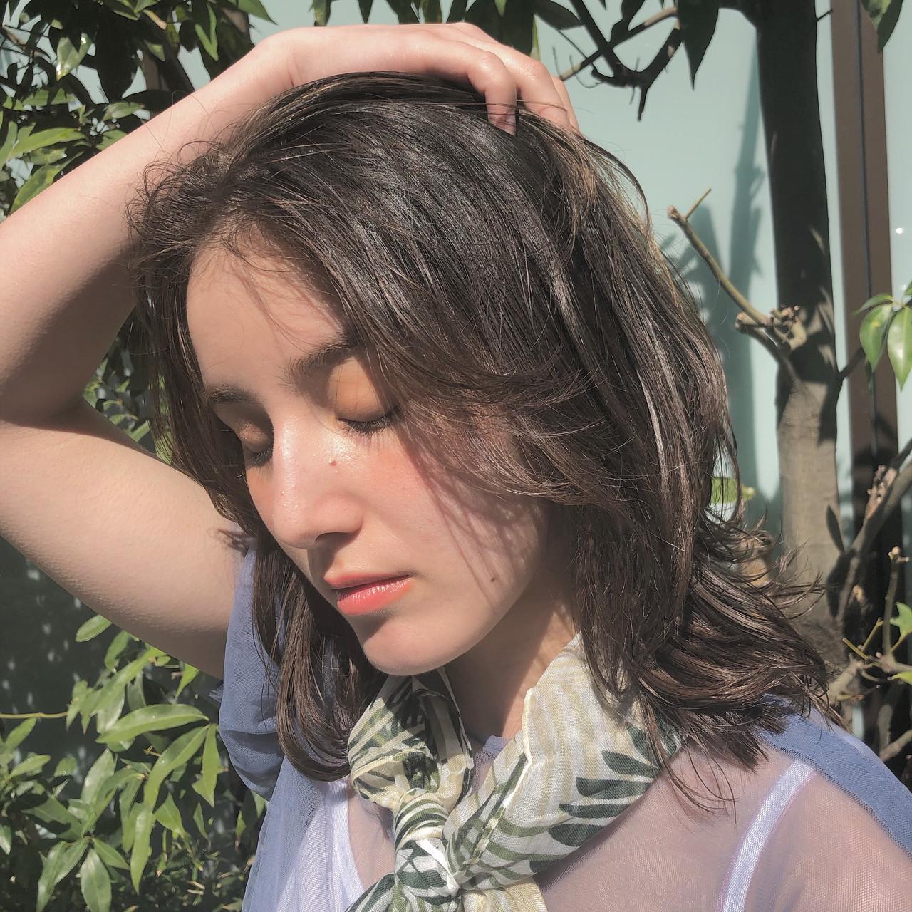 デート 結婚式 アンニュイほつれヘア デジタルパーマ ヘアスタイルや髪型の写真・画像