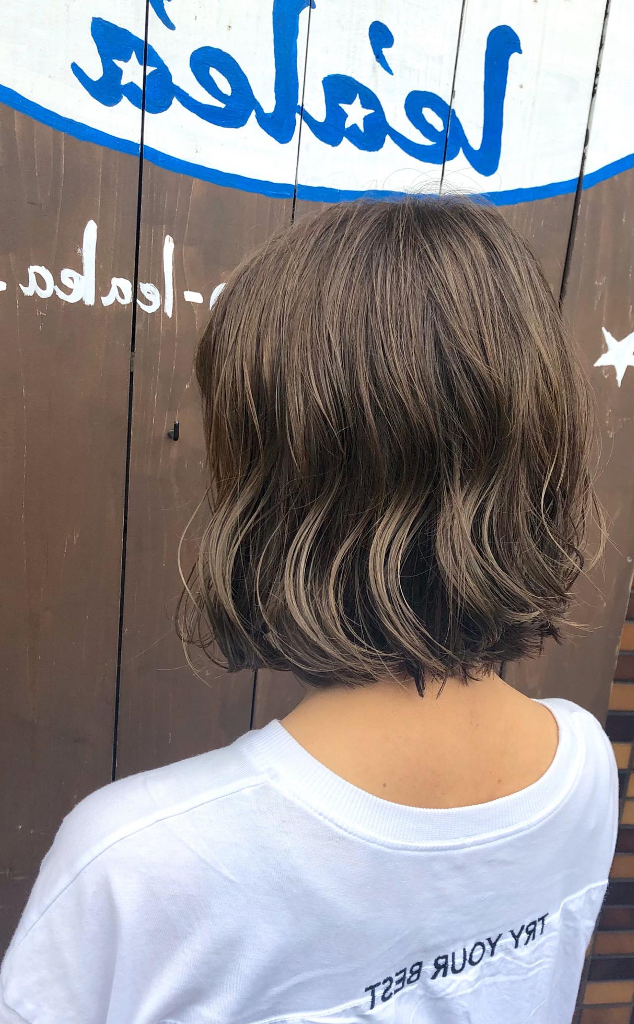 切りっぱなしボブ ショートヘア 地毛風カラー ミルクティーベージュ ヘアスタイルや髪型の写真・画像 | 山下純一 / JESSICA