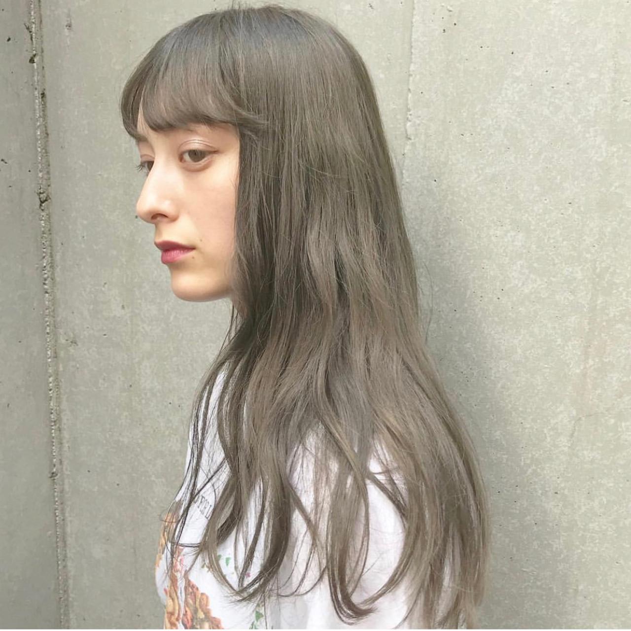 ミルクティーグレージュ ミルクティー ミルクティーアッシュ ミルクティーグレー ヘアスタイルや髪型の写真・画像   SHUN / Cocoon 銀座