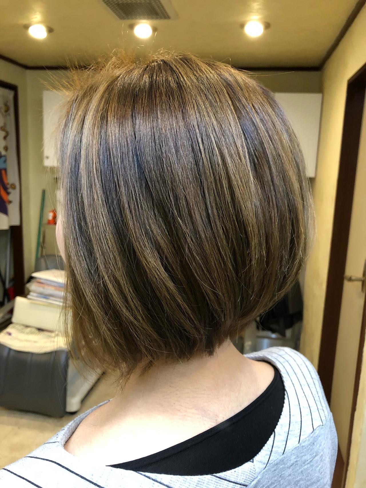 ブリーチオンカラー アダルトボブ ボブ バレイヤージュヘアスタイルや髪型の写真・画像