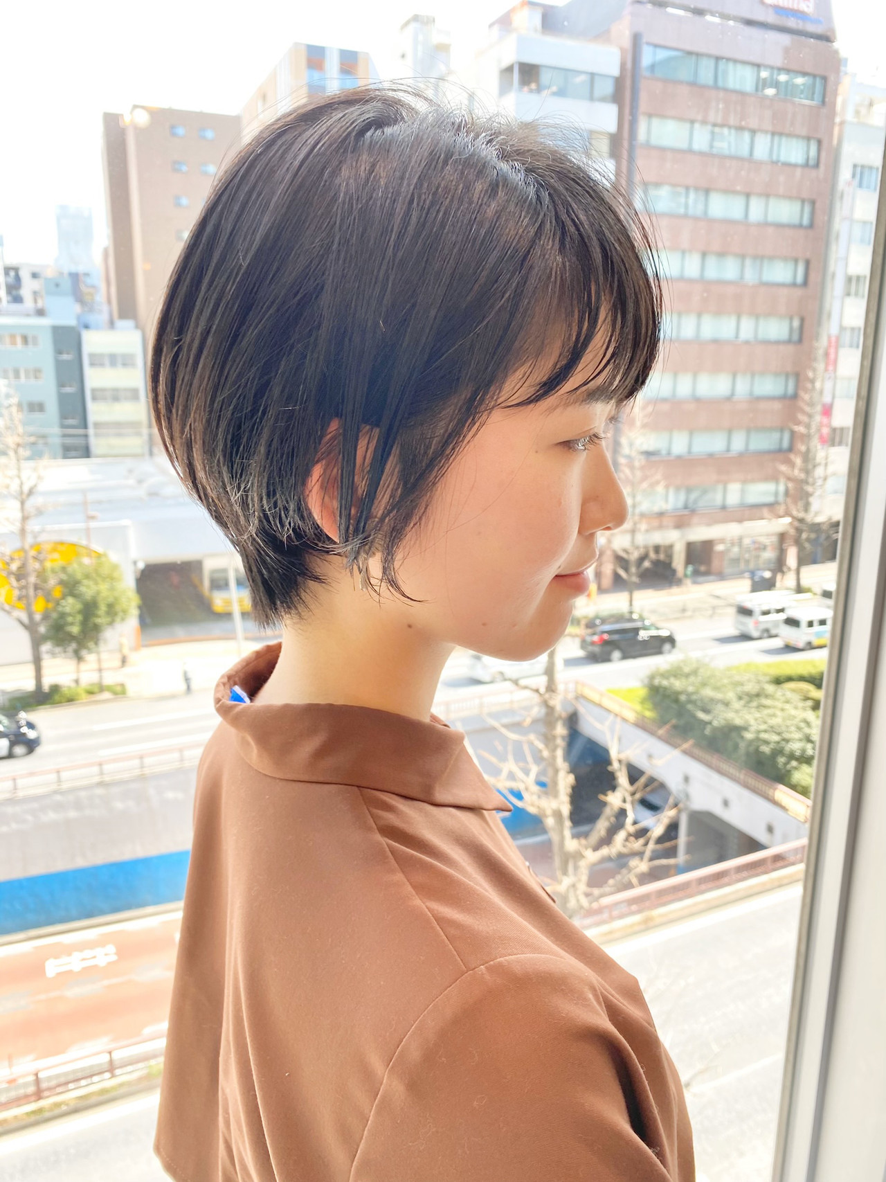 ショートヘア ショート オフィス デート ヘアスタイルや髪型の写真・画像   大人可愛い【ショート・ボブが得意】つばさ / VIE