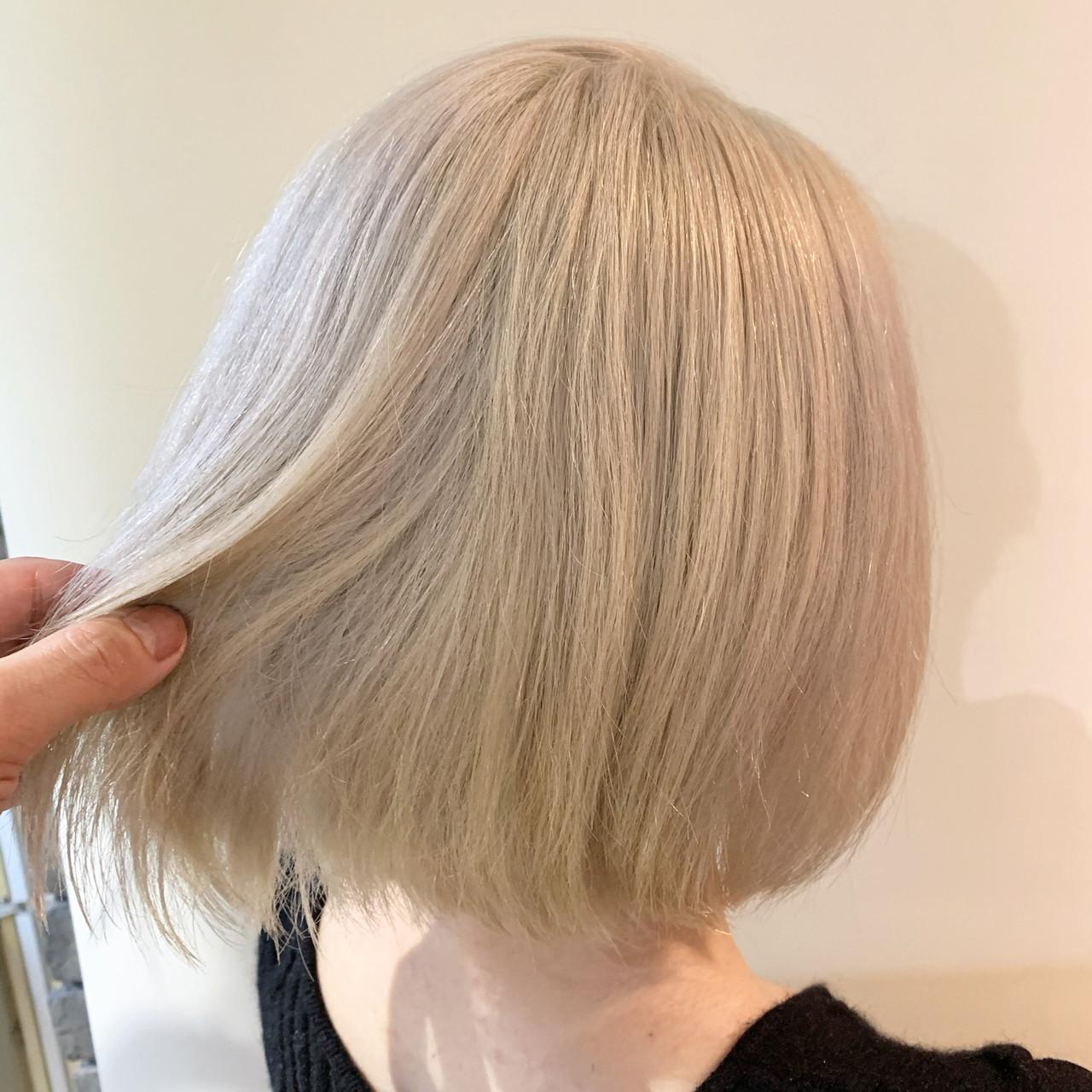 ボブ ショートヘア ショートボブ ホワイトアッシュヘアスタイルや髪型の写真・画像