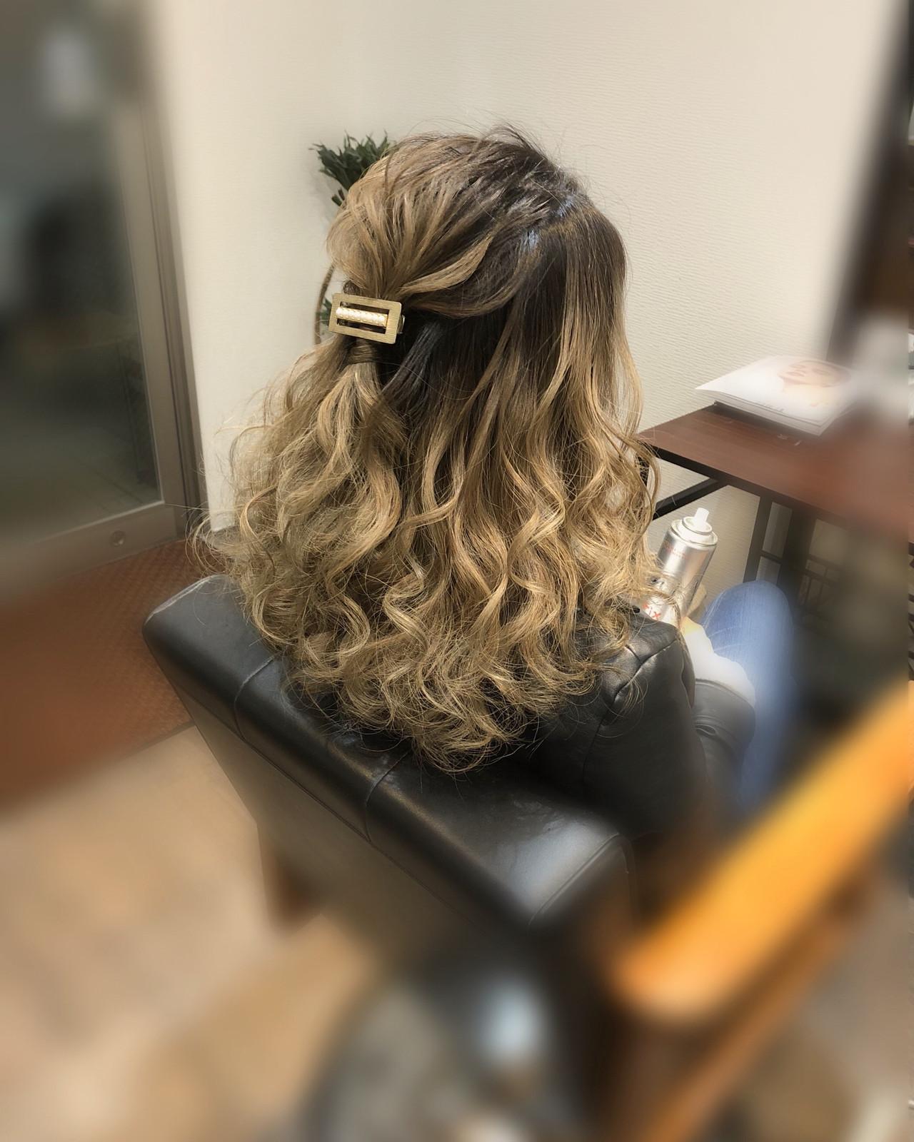 ハーフアップ フェミニン 結婚式 ヘアアレンジヘアスタイルや髪型の写真・画像