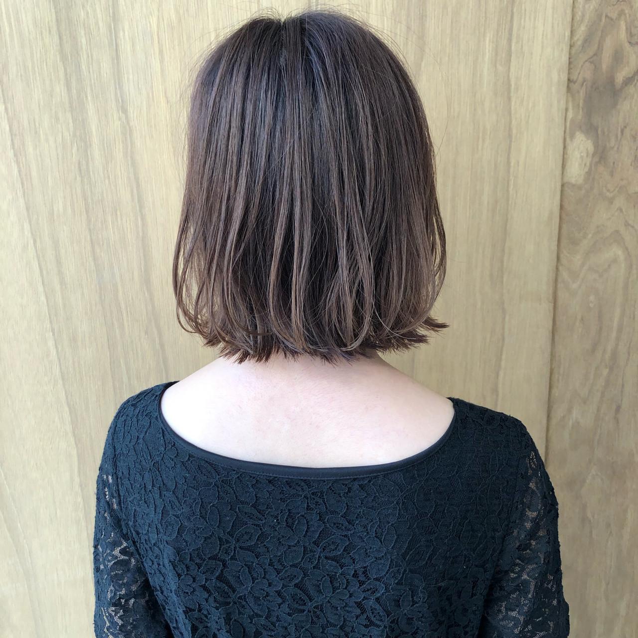 ショートヘア ナチュラル ショートボブ インナーカラーヘアスタイルや髪型の写真・画像