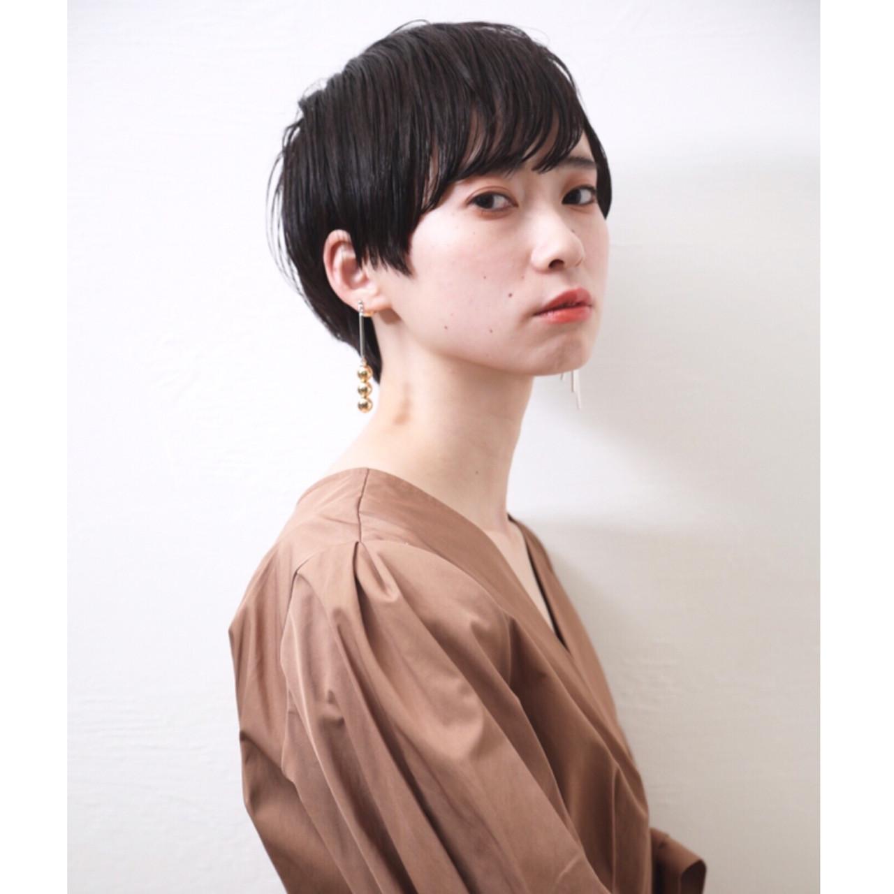 デート オフィス モード 黒髪ショート ヘアスタイルや髪型の写真・画像   畑山拓也 / Baco.