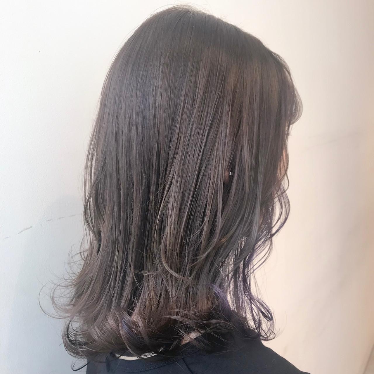 ミルクティーグレージュ 透明感カラー ブリーチなし フェミニン ヘアスタイルや髪型の写真・画像 | 村西 郁人 / rue