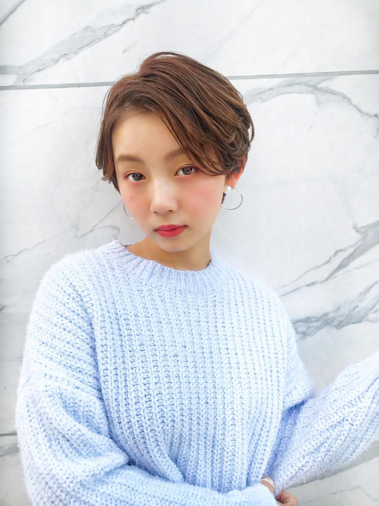 フェミニン ショート デート パーマ ヘアスタイルや髪型の写真・画像 | MANOHARU 新屋敷 / MANOHARU