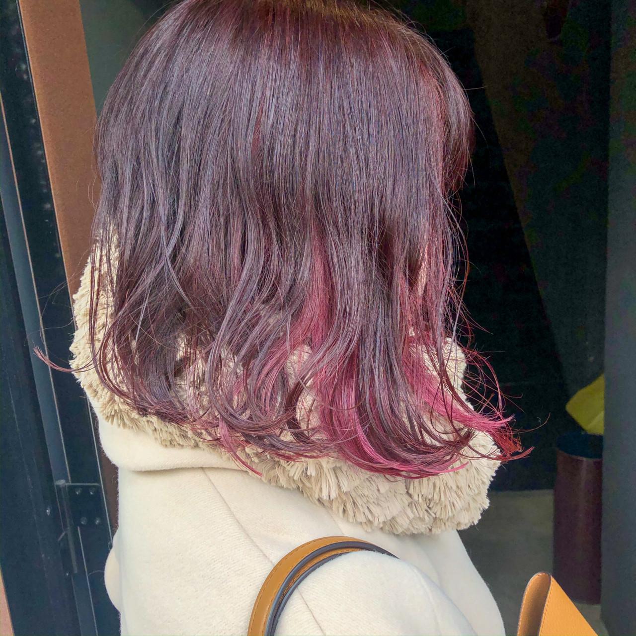 インナーカラー イヤリングカラー ピンク ボブヘアスタイルや髪型の写真・画像