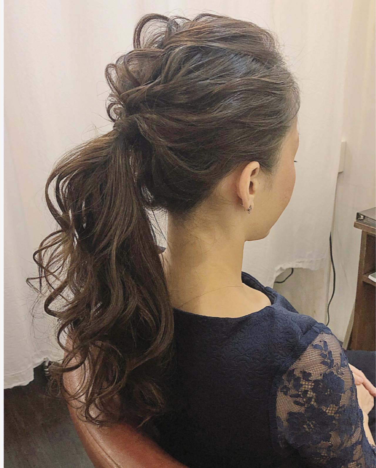 ウェーブ 結婚式 パーティ ナチュラル ヘアスタイルや髪型の写真・画像   上杉 / 大阪