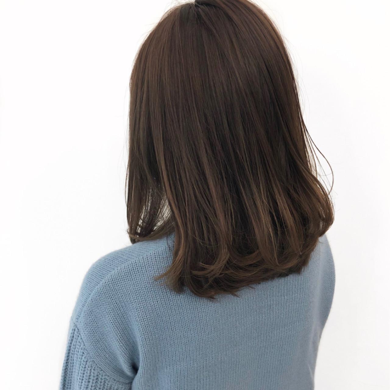 セミロング 愛され ナチュラル オフィス ヘアスタイルや髪型の写真・画像