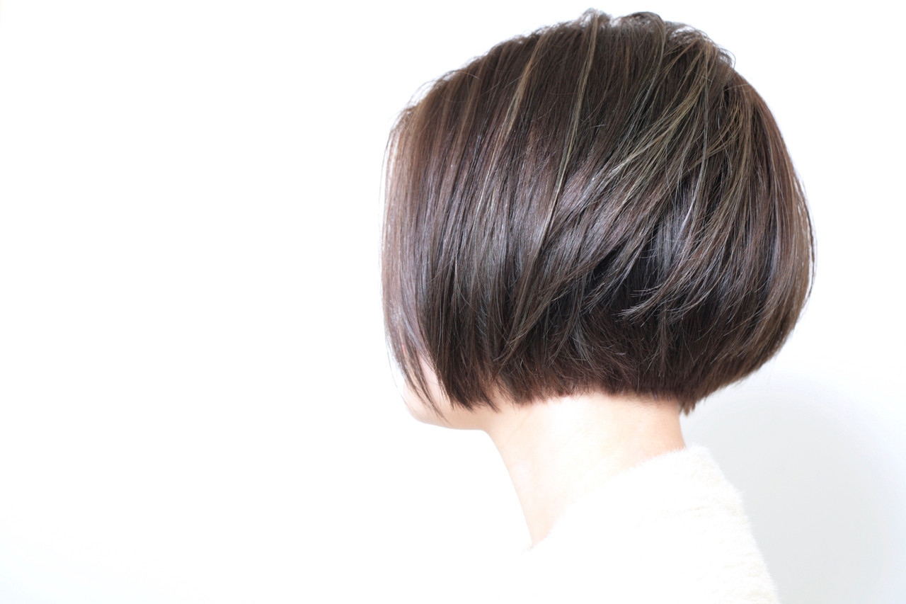 ボブ オフィス ナチュラル 大人ハイライト ヘアスタイルや髪型の写真・画像 | 正司園 智之 / modish beauty