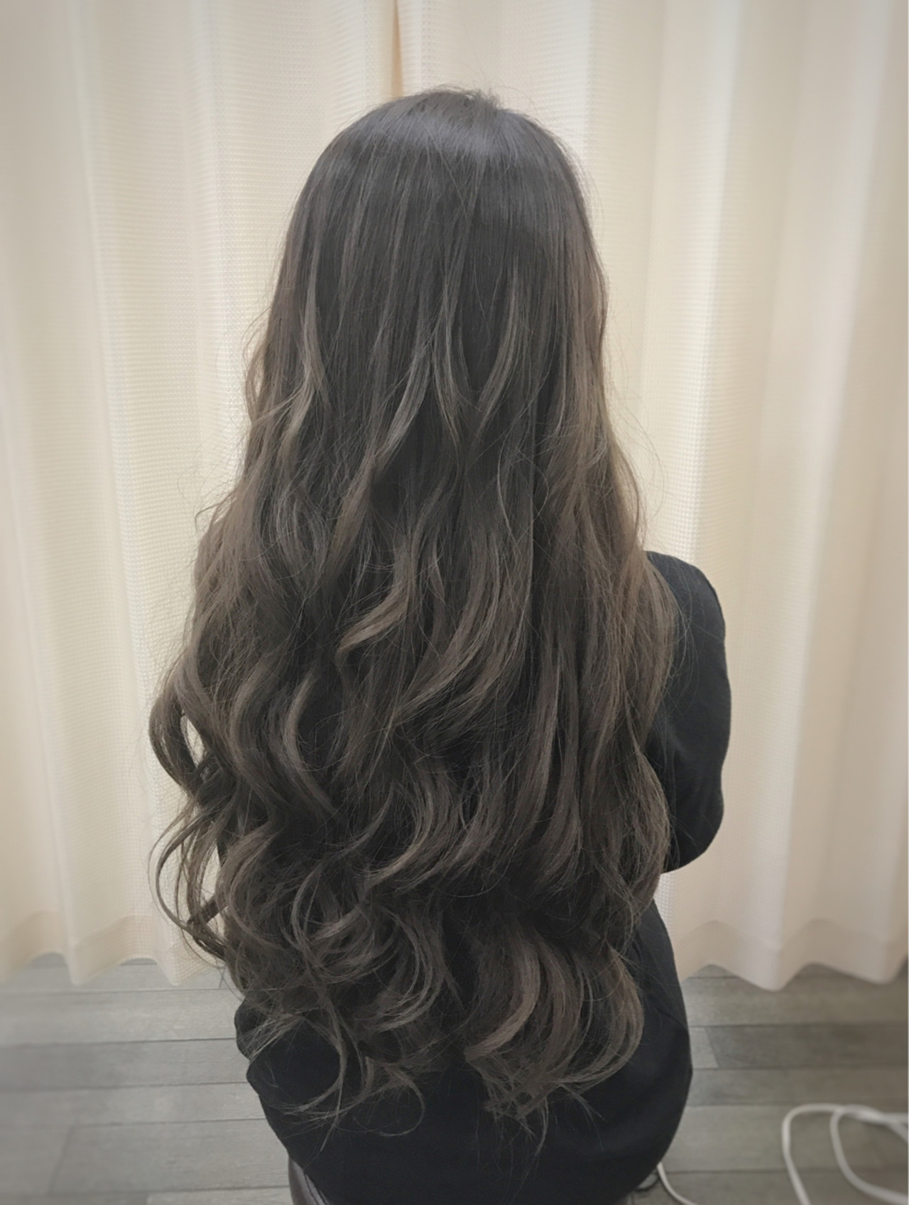 ロング グラデーションカラー 渋谷系 アッシュヘアスタイルや髪型の写真・画像