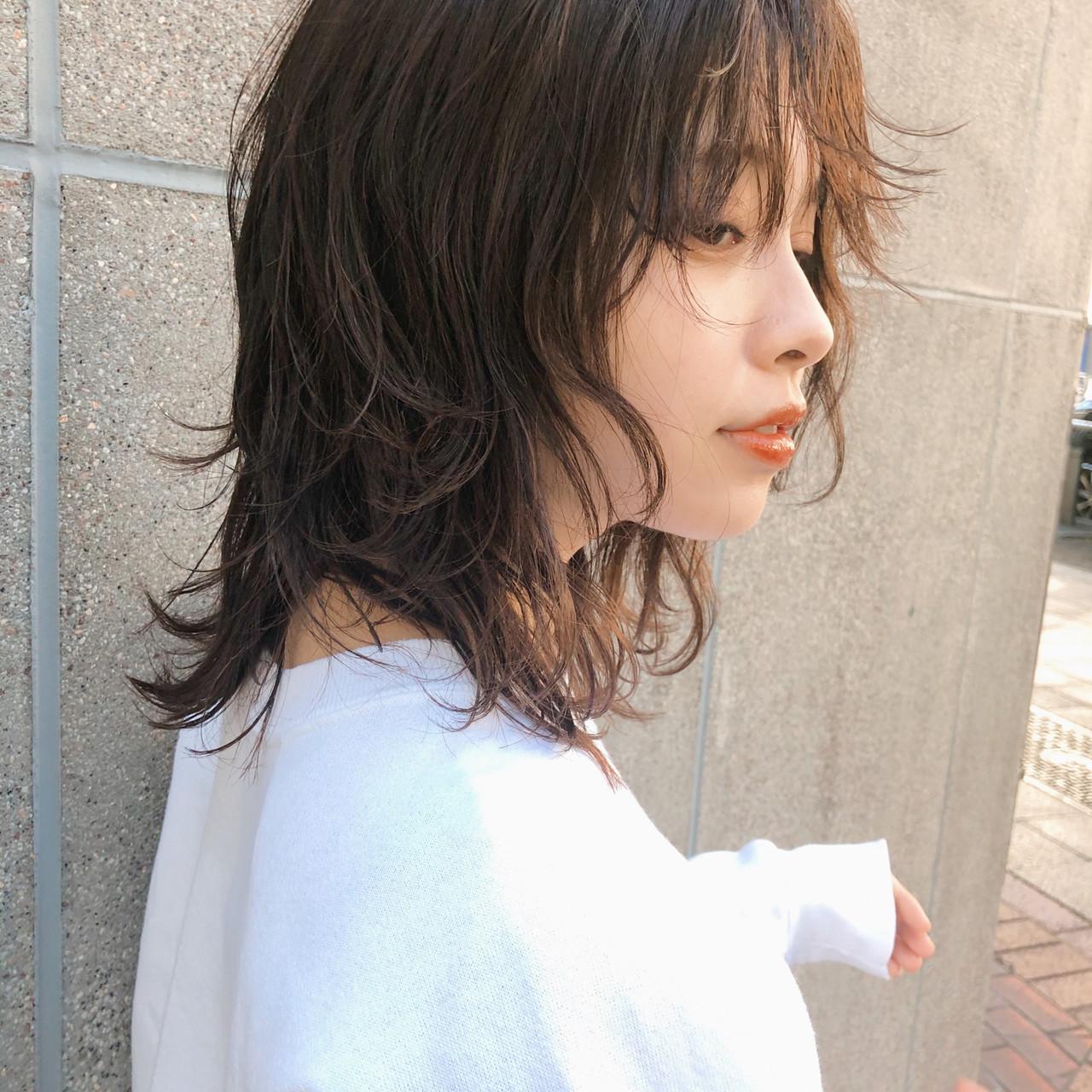 ストリート ウルフカット ウルフ ニュアンスウルフヘアスタイルや髪型の写真・画像