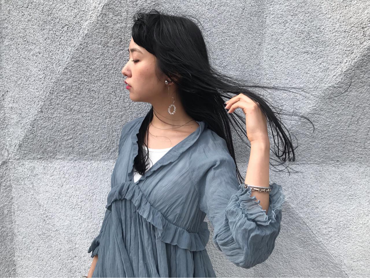 ナチュラル 黒髪 ロング ヘアスタイルや髪型の写真・画像 | natsuki / seek