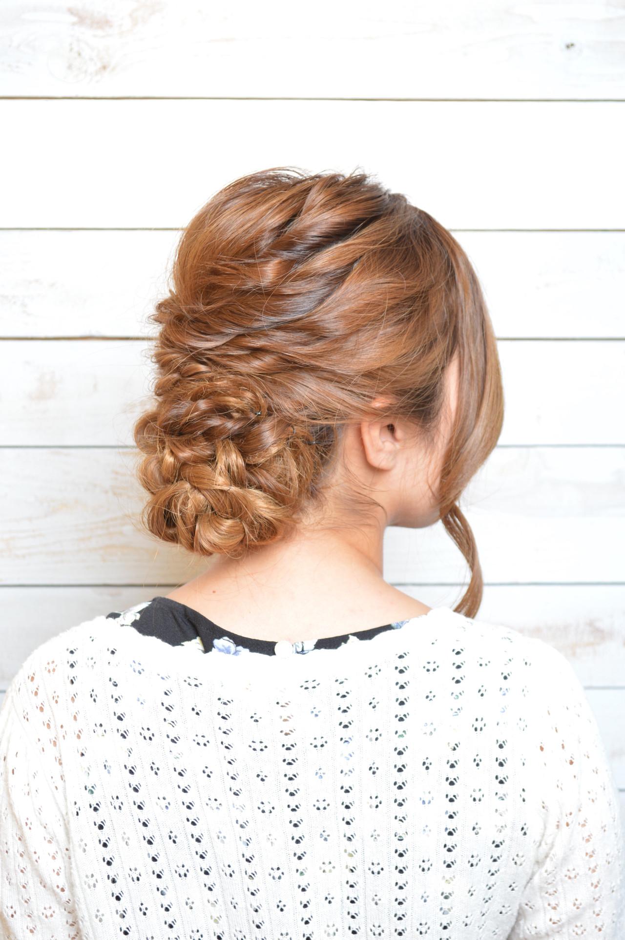 ねじり アップスタイル ヘアアレンジ ニュアンス ヘアスタイルや髪型の写真・画像