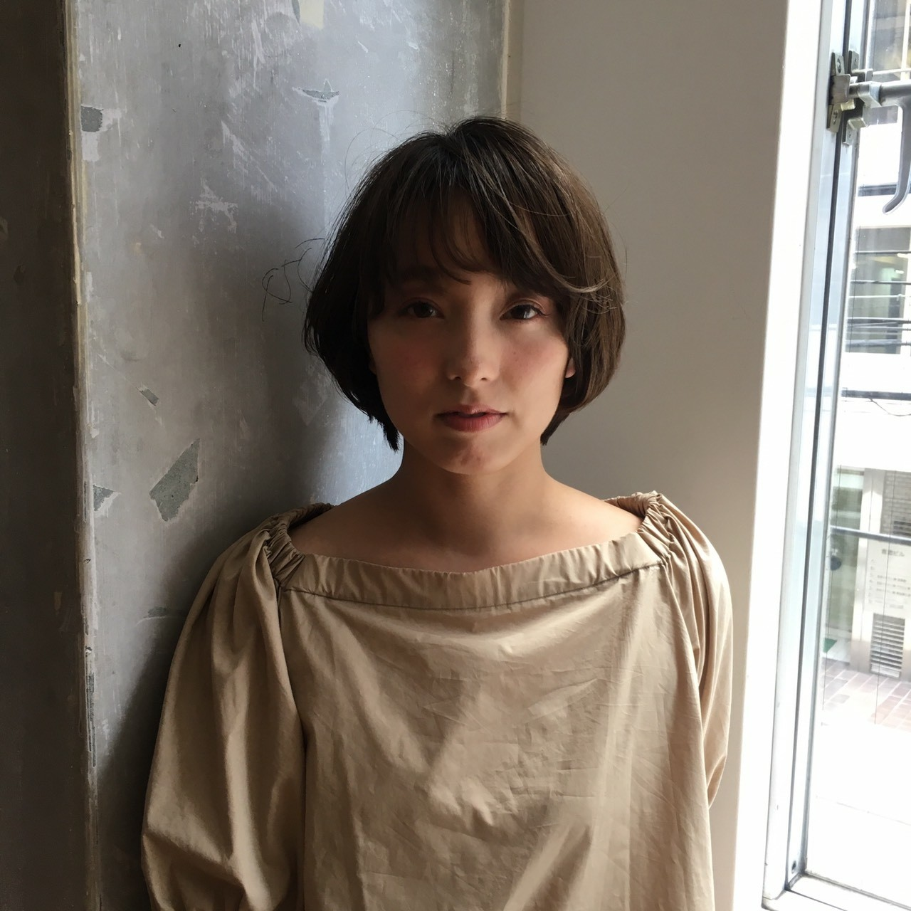 ショートボブ 愛され ショート グレージュ ヘアスタイルや髪型の写真・画像   asuka /